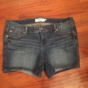 Women's Torrid size 14 denim shorts